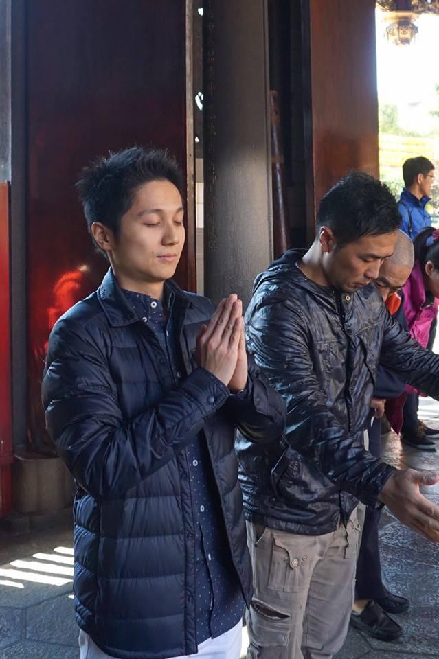 神社、お寺参りはご挨拶
